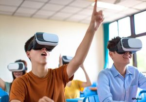 Life in the World of Virtual Educators